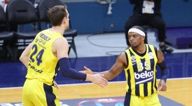 Fenerbahçe'den Galatasaray'a 25 sayı fark
