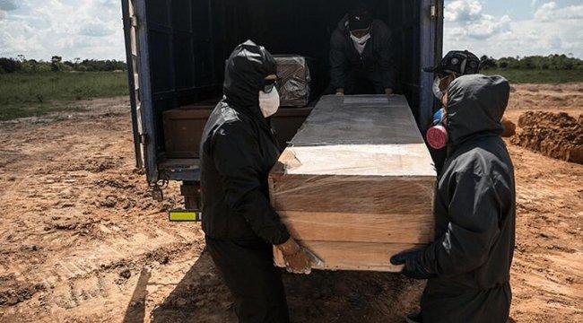 Peru'da, Kovid-19 salgını nedeniyle mezarlıklarda yer kalmadı