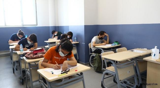 Bayraklı'da öğrencilere deneme sınavı