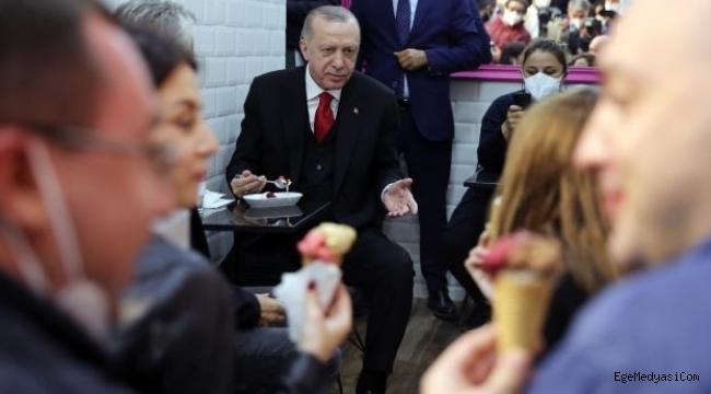 Erdoğan, Beylerbeyi'nde dondurmacıya uğradı