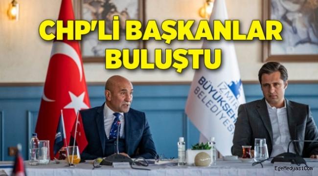 İzmir'de CHP'li başkanlar buluştu