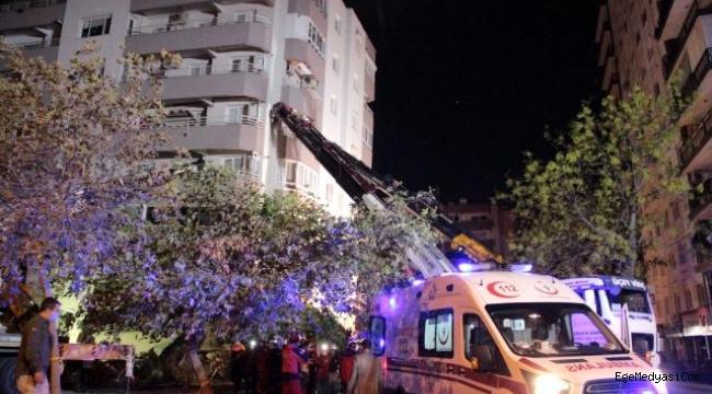 İzmir'de ki depremde yan yatan binada kolon kesilmemiş