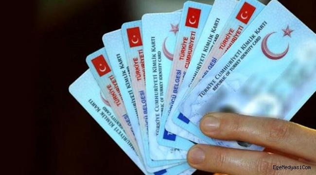 Türkiye'den KKTC'ye gidecekler eski kimliklerle giriş yapamayacak